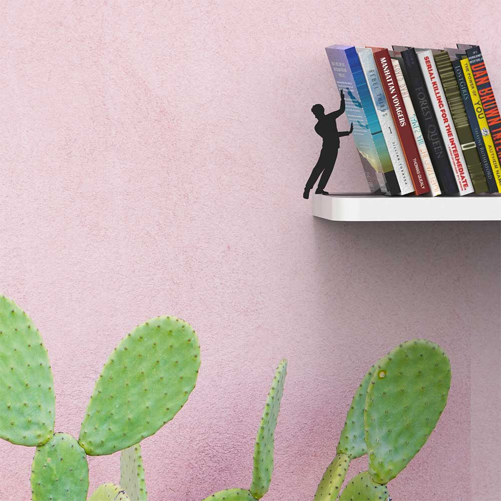 תומך ספרים על הקצה