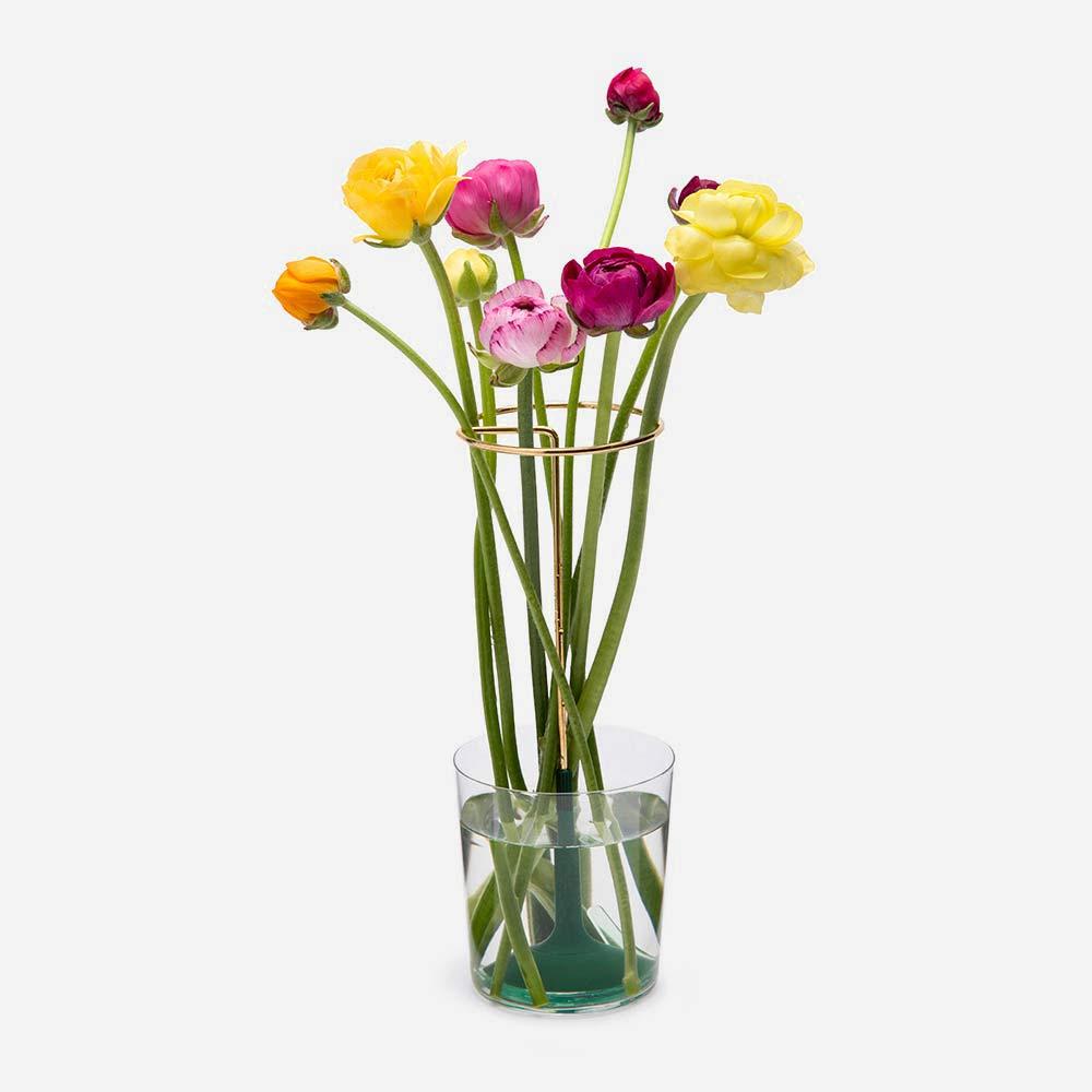 אגרטל מינימליסטי ליצירת סידור פרחים Invisivase