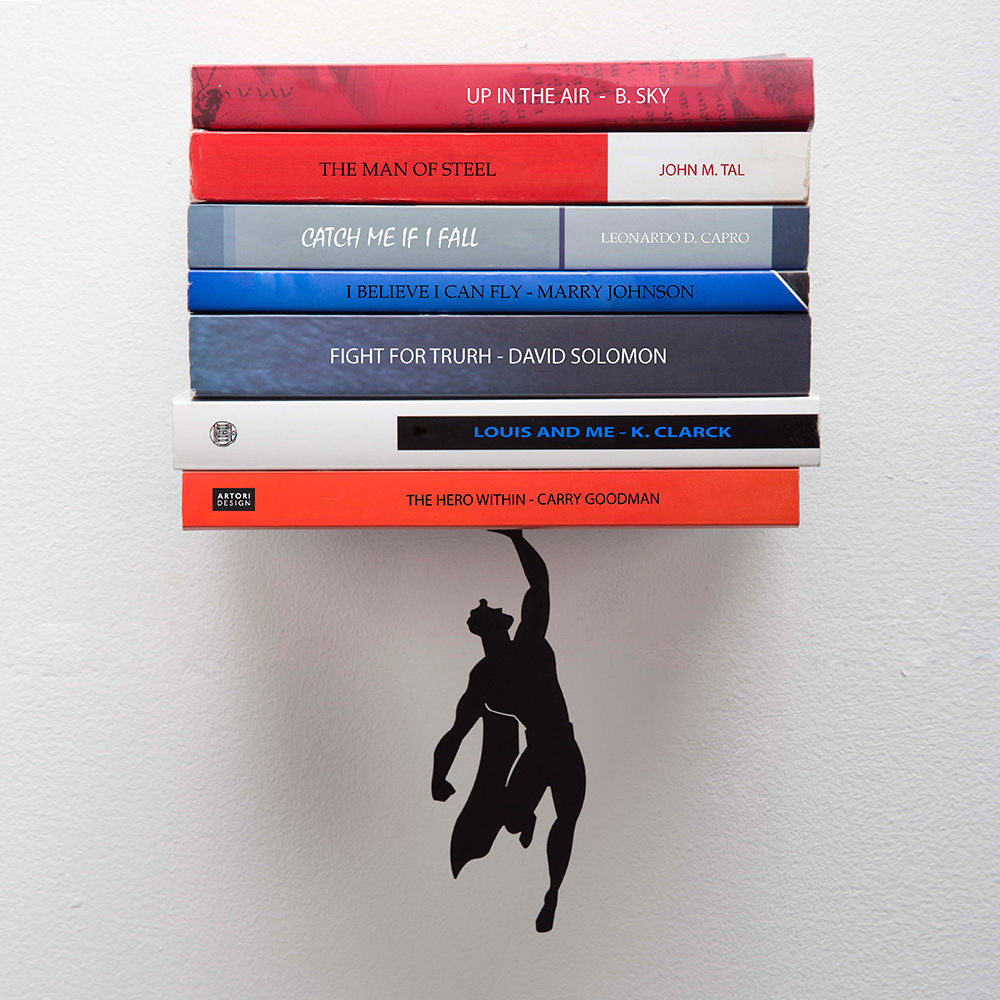 מדף ספרים גיבור על Supershelf