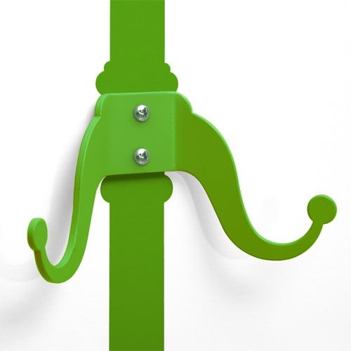 במביני ירוק - מדבקת קיר עם קולב
