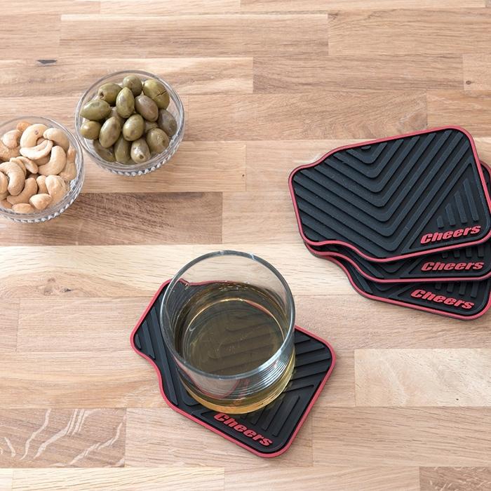 תחתיות לכוסות בעיצוב שטיחי רכב