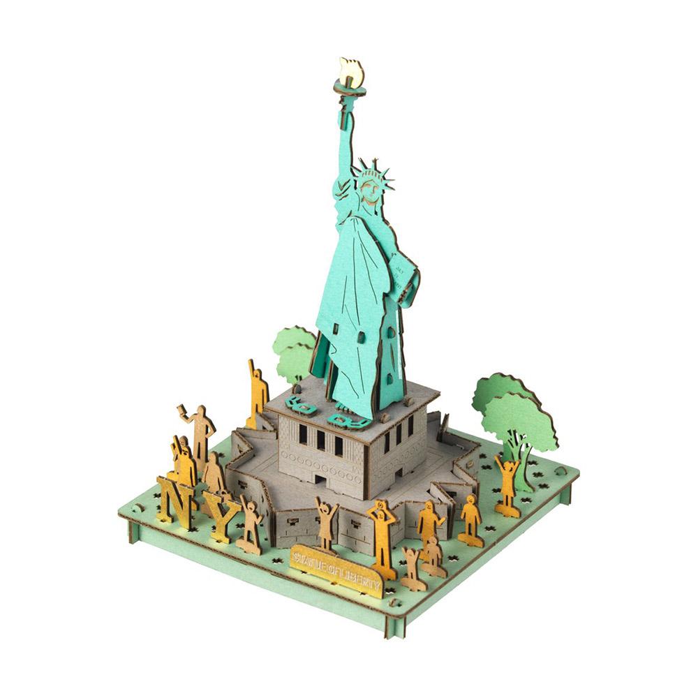פסל החירות להרכבה בתלת-ממד - אומנות יפנית בקרטון