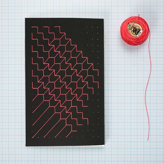 מחברת רקומה בעבודת יד A5 - חוט אדום
