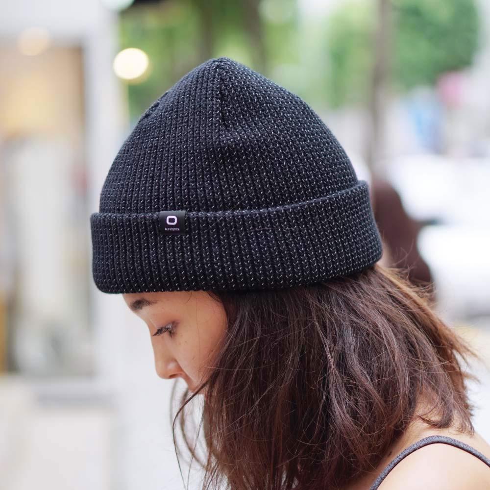 כובע זוהר בחושך