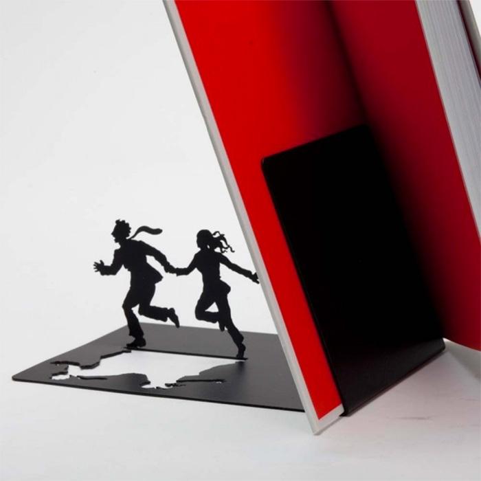 תומך ספרים - בורחים